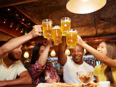 ジョッキ片手にビールで乾杯♪夏のビアガーデン特集