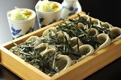 学生とサラリーマンの街、飯田橋で食べることができるそば屋8選◎