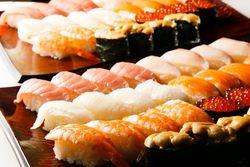 【新宿でお寿司を食べるならここ】美味しくて安い100円寿司!