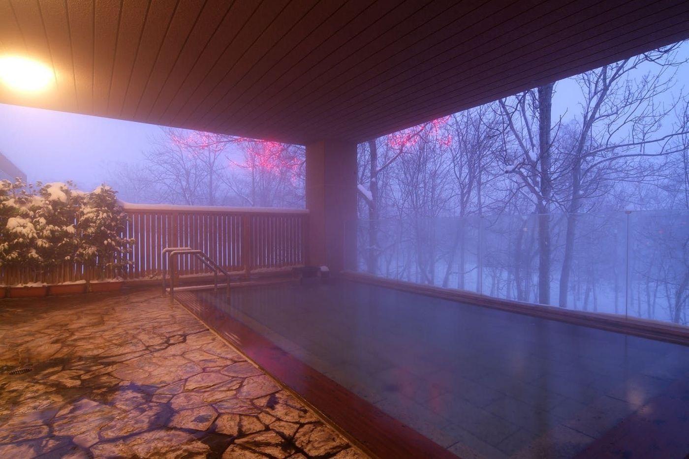 ニセコ温泉で上質旅。ラグジュアリーに自然を感じる高級宿5選の画像