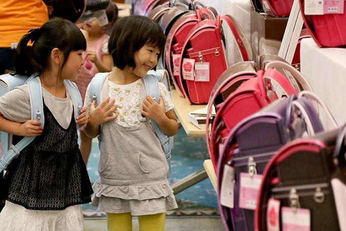 福岡初開催!約300種類のランドセルが集結!『合同ランドセル展示会』の画像