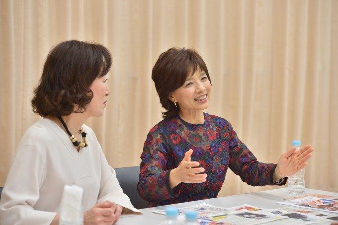 高畑淳子さんと榊原郁恵さんが語る、博多座公演「雪まろげ」への思いの画像