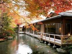 【下呂温泉】で紅葉と温泉を楽しもう。グルメ情報も満載!