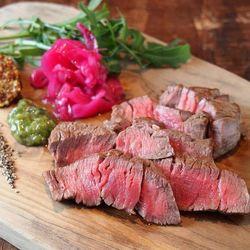 肉好き必見!大阪梅田でおすすめのおしゃれで安い肉バル6選!
