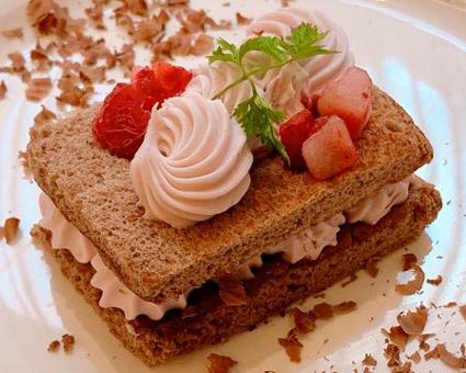 ルビーチョコレートの甘い誘惑♪【ザ ロイヤルパークホテル 福岡】の画像