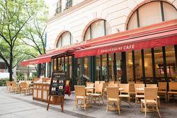 カフェテラスで表参道の街並みを楽しみながらお食事しよう♡