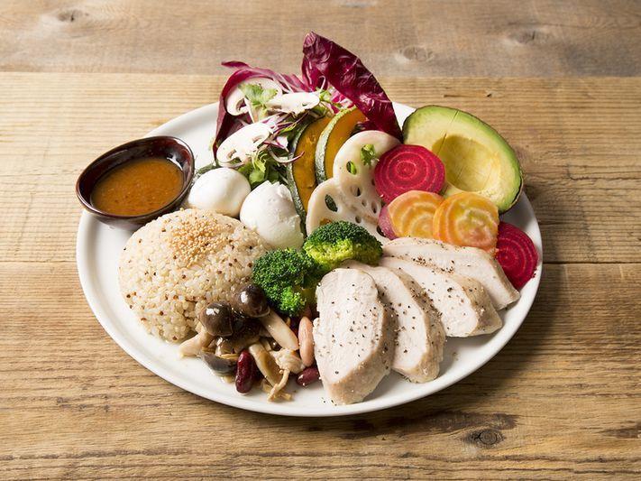 【六本木カフェ】野菜たっぷり!ヘルシーランチをご紹介!