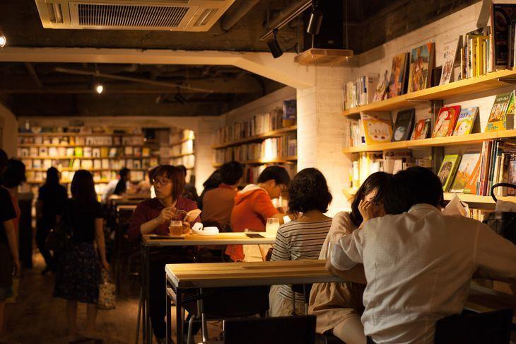 休日は読書をしてのんびりしよう♡東京のおしゃれブックカフェ4選!