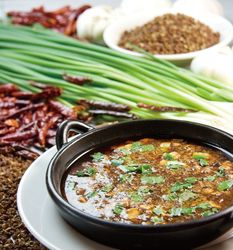 【池袋】辛い料理で身体の芯から温まろう!おすすめのグルメ4選♪