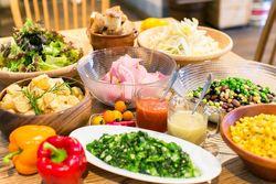 サラダビュッフェも楽しめる!池袋でたっぷり野菜が食べられるお店☆