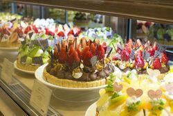 新宿で食べられるケーキ☆カフェからバイキングまでご紹介◎