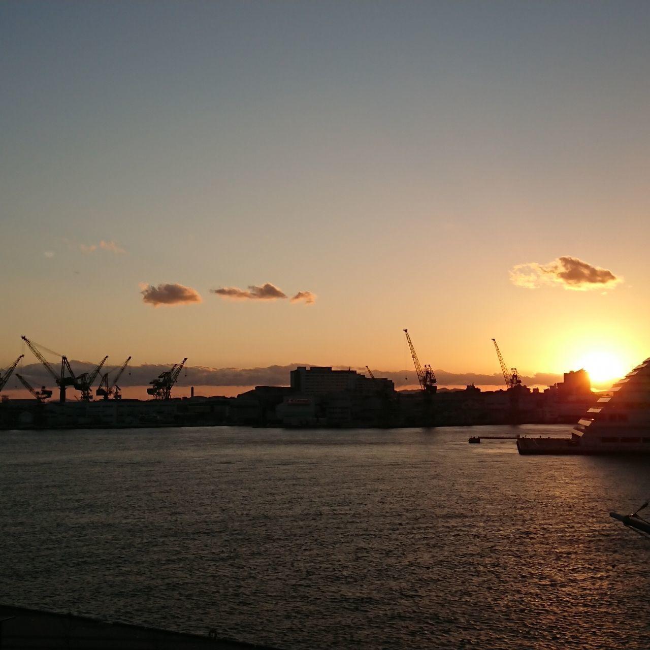 #旅行 #キリンにみえる #神戸 #港 #夜景