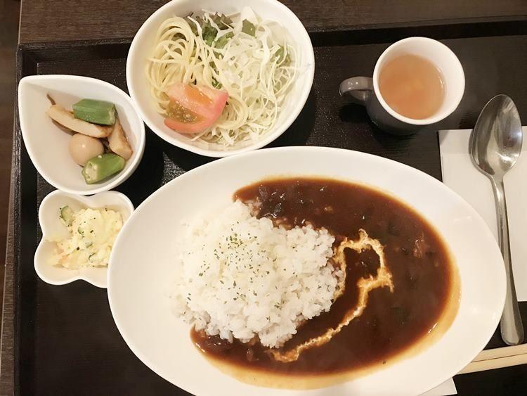 天神ビル・ワイン食堂【オタマシャモジ】で初めてハヤシライスを頼むの画像