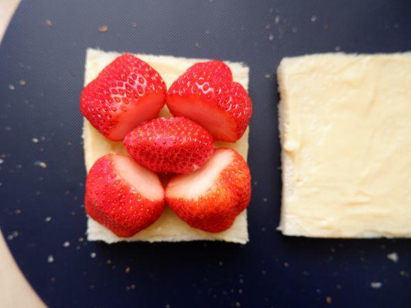 喫茶店みたいな苺サンドイッチの作り方 豆乳カスタードのレシピつきの画像