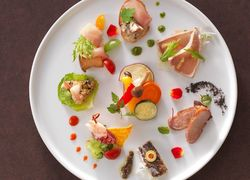 【大阪】要チェック!心もお腹も大満足な食べ放題を値段別でご紹介♡